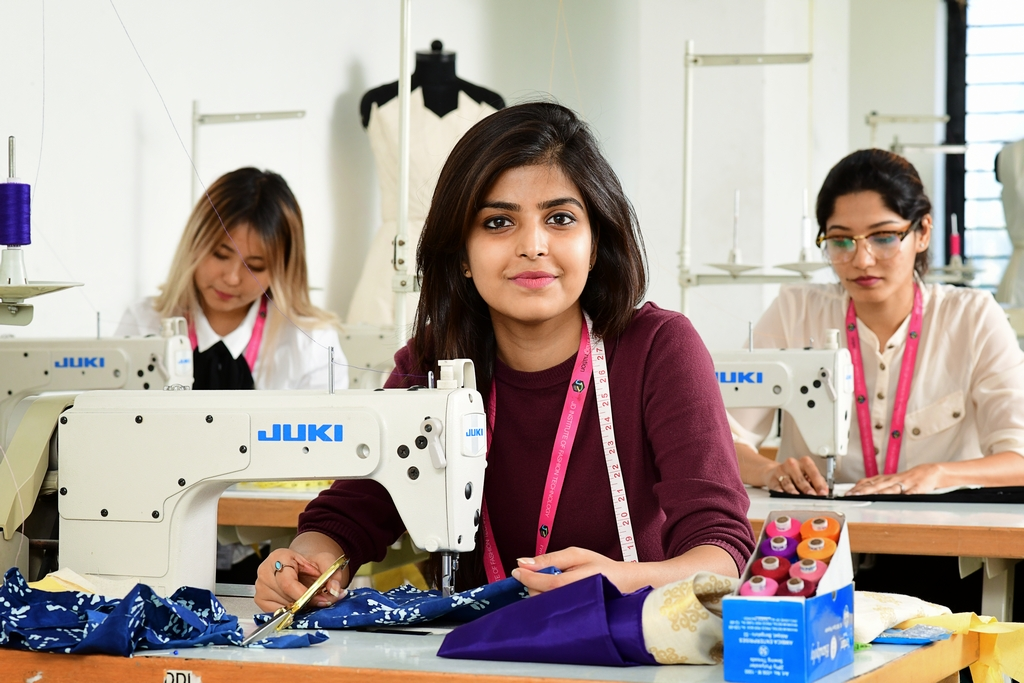 Fashion Designing Course Diploma In Fashion Designing