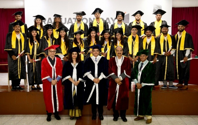 JD Institute Holds Graduation Ceremony for its Diploma and Post Graduate Students JD Institute Holds Graduation Ceremony 5