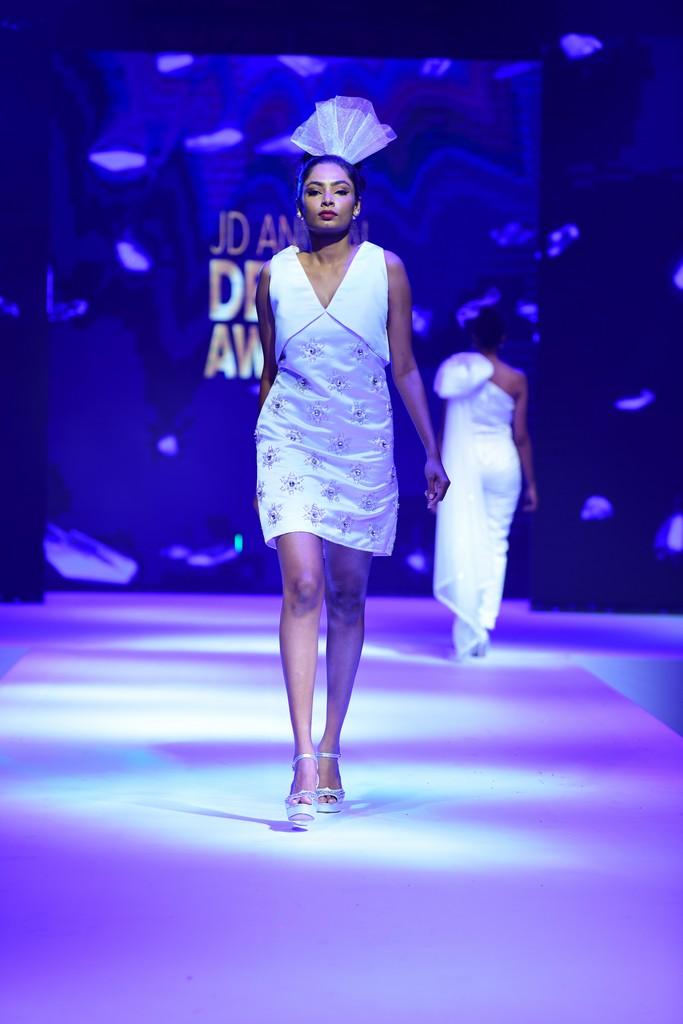 MARIÉE EN CRISTAL mariÉe en cristal MARIÉE EN CRISTAL –JD Annual Design Awards 2019 | Fashion Design MARI  E EN CRISTAL    JD Annual Design Awards 2019 Fashion Design 7