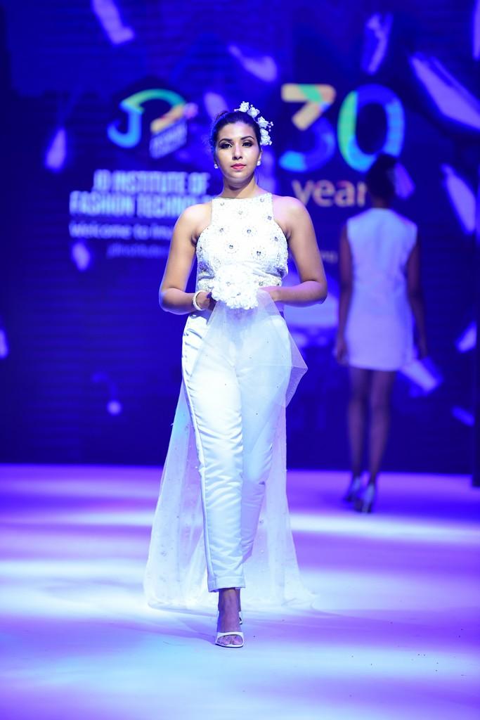 MARIÉE EN CRISTAL mariÉe en cristal MARIÉE EN CRISTAL –JD Annual Design Awards 2019 | Fashion Design MARI  E EN CRISTAL    JD Annual Design Awards 2019 Fashion Design 9
