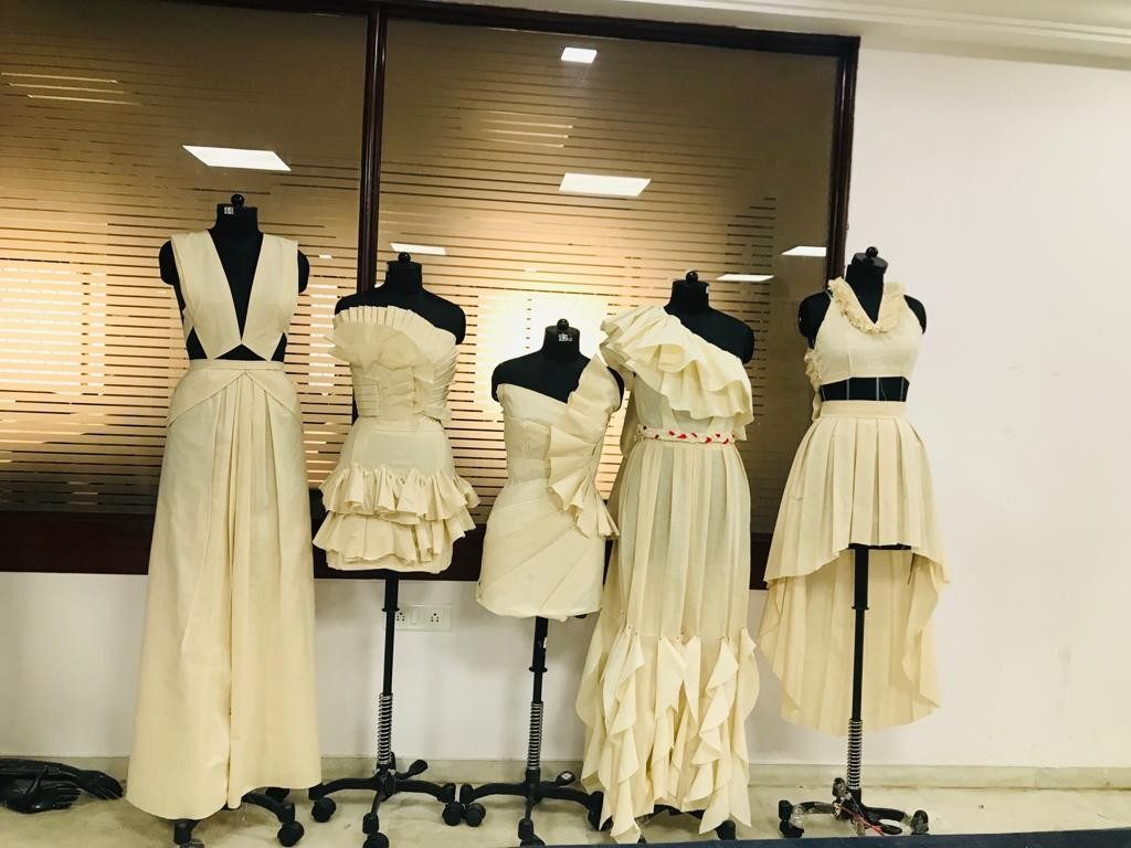 draping FASHION DRAPING – A DESIGNER'S BLUE PRINT Weekend Batch 2019 Draping Display 15 1024x768