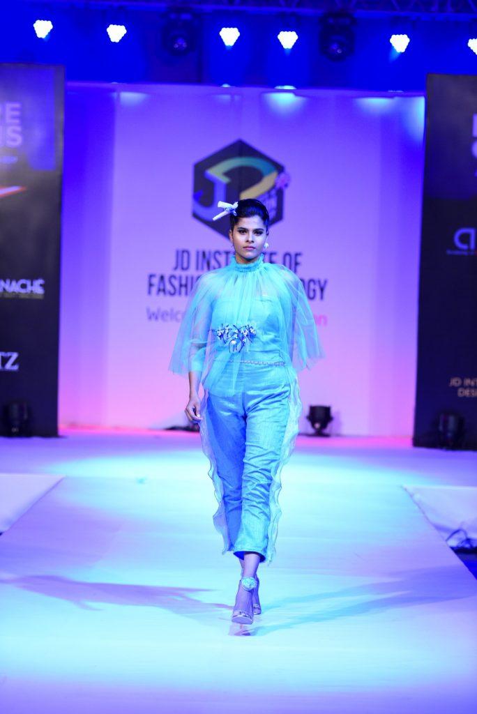benethic oneiro Benethic Oneiro – Future Origin – JD Annual Design Awards 2017 Benethic Oneiro E28093 Future Origin E28093 JD Annual Design Awards 2017 Cochin 2 684x1024