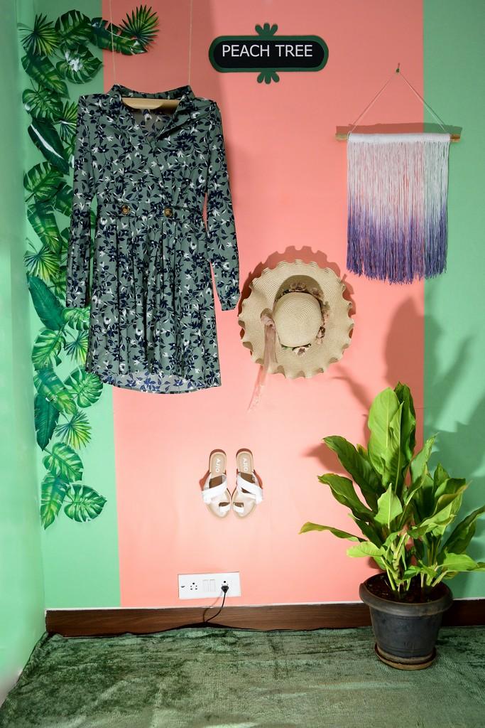 essentials of visual merchandising by fashion communication 2019 ESSENTIALS OF VISUAL MERCHANDISING BY FASHION COMMUNICATION 2019 ESSENTIALS OF VISUAL MERCHANDISING BY FASHION COMMUNICATION 2019 13