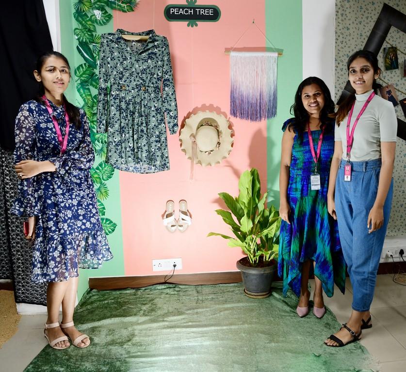essentials of visual merchandising by fashion communication 2019 ESSENTIALS OF VISUAL MERCHANDISING BY FASHION COMMUNICATION 2019 ESSENTIALS OF VISUAL MERCHANDISING BY FASHION COMMUNICATION 2019 14