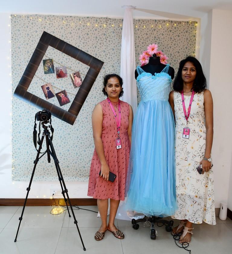 essentials of visual merchandising by fashion communication 2019 ESSENTIALS OF VISUAL MERCHANDISING BY FASHION COMMUNICATION 2019 ESSENTIALS OF VISUAL MERCHANDISING BY FASHION COMMUNICATION 2019 7