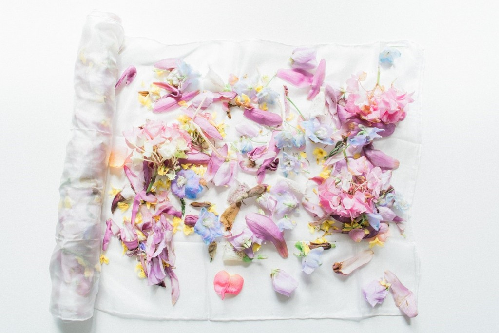 the art of (floral) dyeing THE ART OF (FLORAL) DYEING THE ART OF FLORAL DYEING 9