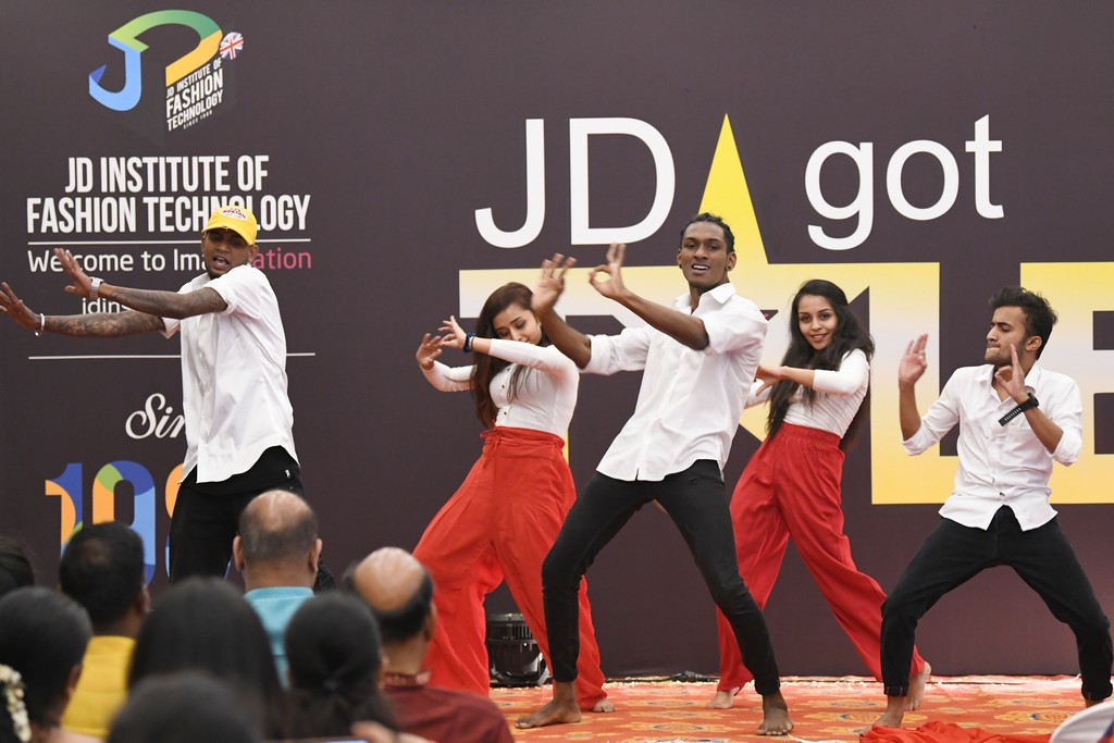 jd got talent JEDIIIANs shimmy their way through JD GOT TALENT JEDIIIANs shimmy their way through JD GOT TALENT 109