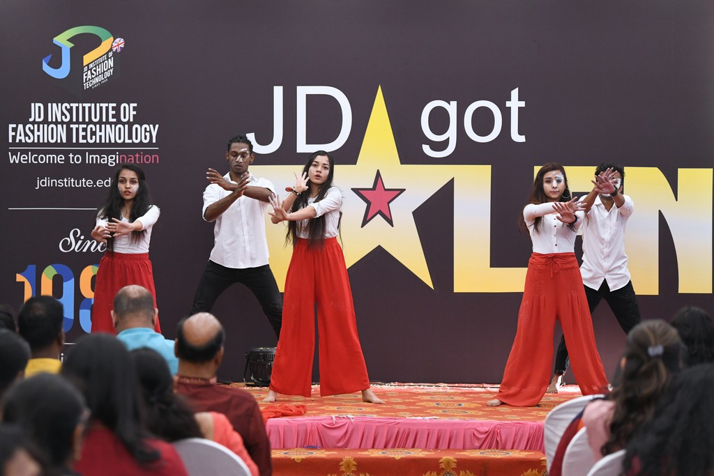 jd got talent JEDIIIANs shimmy their way through JD GOT TALENT JEDIIIANs shimmy their way through JD GOT TALENT 111