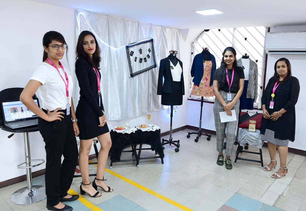 boutique management - PGDFDBM 2019 Boutique Management 14 - FASHION MANAGEMENT STUDENTS PRESENT BOUTIQUE MANAGEMENT CONCEPTS