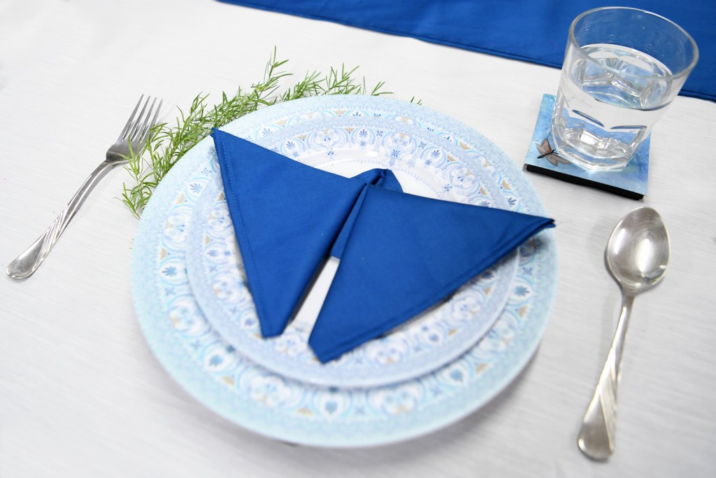 dining setup - DINING SETUP OPTIONS BY INTERIOR DESIGN STUDENTS 6 - DINING SETUP OPTIONS BY INTERIOR DESIGN STUDENTS
