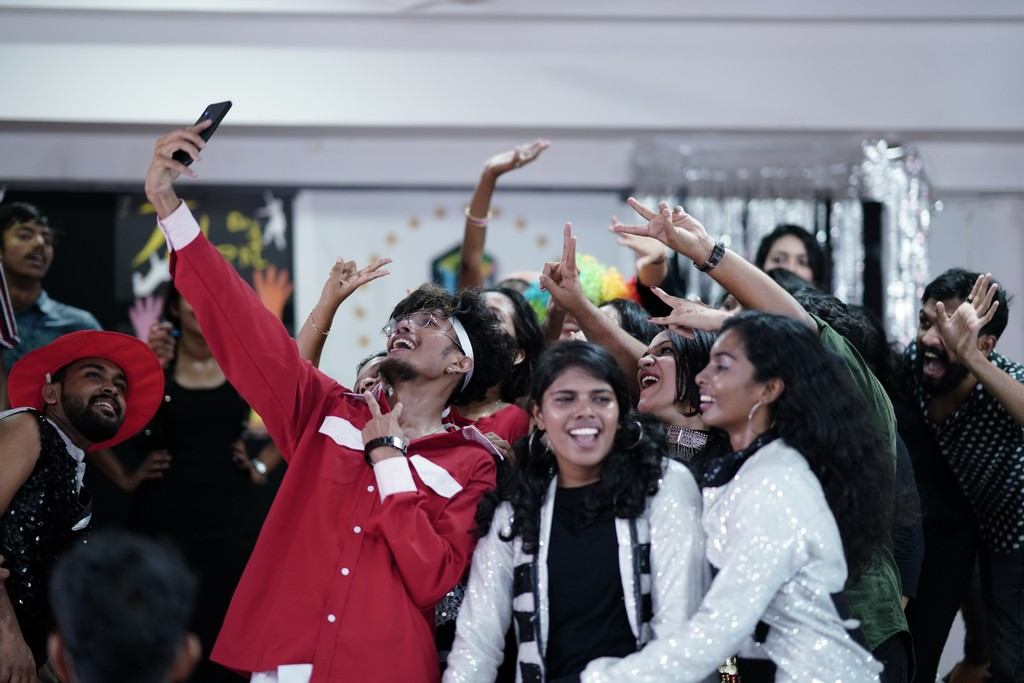 talent day IT'S THE TIME TO DISCO – TALENT DAY AT JD, COCHIN IT   S THE TIME TO DISCO TALENT DAY AT JD COCHIN 4