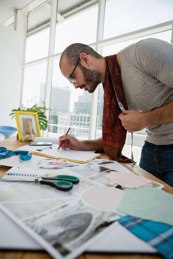 What can I become with a Bachelor's Degree in Fashion Design? fashion - What can I become with a Bachelors Degree in Fashion Design 5 - What can I become with a Bachelor's Degree in Fashion Design?