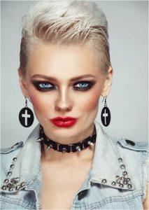 lipstick - Smokey Eye Punk Beauty Makeup 213x300 - Evolution of Lipstick